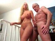 Русское порно рука грудастой блондинки в мужском анальном проходе скачать